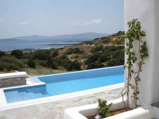 Farangas Krilia Villa, 6bd/6ba villa private pool - Naoussa vacation rentals