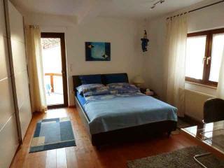 Vacation Apartment in Wetzlar - 700 sqft, completely furnished, quiet location, W-LAN (# 2631) - Wetzlar vacation rentals