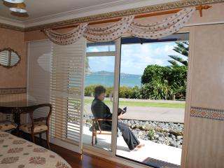 The Tindalls Suite: Affordable Beachfront B&B - Auckland vacation rentals