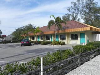 Club Bamboo Resorts! - Bradenton Beach vacation rentals