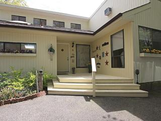 Perfect 7 bedroom House in Hampton Bays with Deck - Hampton Bays vacation rentals