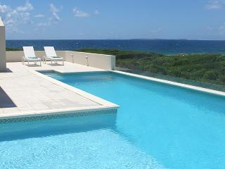 Beautiful Villa with Internet Access and A/C - Sandy Hill Bay vacation rentals