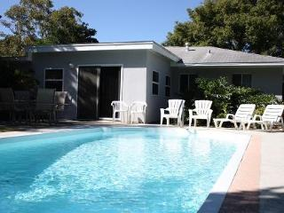 TROPICAL HAVEN w/ POOL - ESCAPE FROM THE COLD!!! - Clearwater vacation rentals