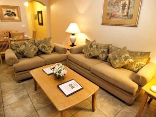 RP3T519LM 3 Bedroom Town Home Near Shopping Outlets - Davenport vacation rentals