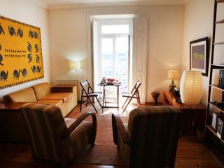 Apartment in Lisbon 47a - Castelo - Lisbon vacation rentals
