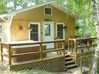 Private 4 Bedroom Retreat on 10 Acres--Hot Tub!! - Dingmans Ferry vacation rentals