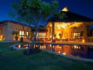 4 bedroom Villa with Internet Access in Punta del Burro - Punta del Burro vacation rentals