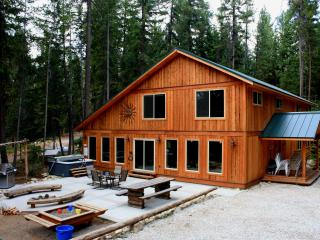Perfect Large Home!!   8 bedrooms, theater and more - Leavenworth vacation rentals