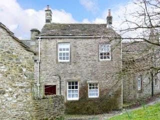 LANE FOLD COTTAGE end terrace, woodburning stove, centre of village of Grassington, Ref 11838 - Grassington vacation rentals