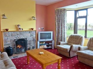 MILLTOWN COTTAGE with two open fires, ground floor accommodation near to Milltown, County Kerry Ref 14370 - Milltown vacation rentals