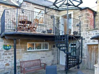 COQUET RETREAT, en-suite, spa bath, balcony, courtyard, in the heart of Rothbury, Ref: 14512 - Northumberland National Park vacation rentals