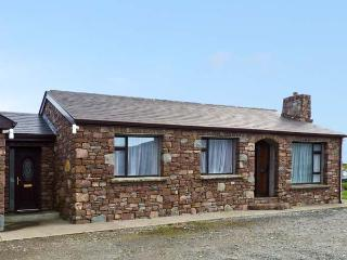 THE STONE COTTAGE, pet friendly, country holiday cottage, with a garden in Tully, County Galway, Ref 14940 - Tully vacation rentals
