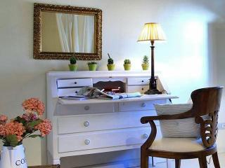 Bright 2 bedroom Camaiore Apartment with Internet Access - Camaiore vacation rentals