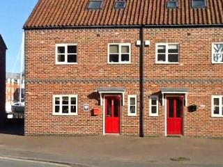 RAILWAY COTTAGE, North York Moors and Coast Ref 10683 - Whitby vacation rentals