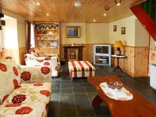 CEOL NA N'EAN detached, woodburner, pet friendly cottage in Sneem, County Kerry Ref 13584 - Sneem vacation rentals