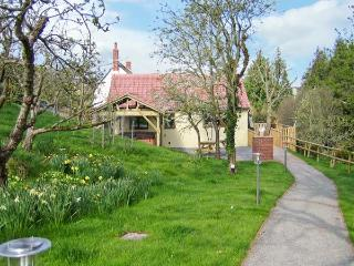 ORCHARD COTTAGE, barn conversion, with open plan living area, hot tub and - Washford vacation rentals