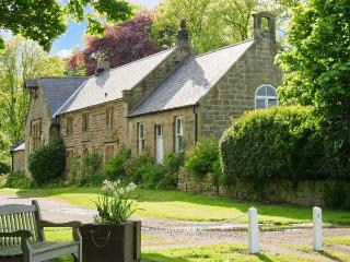 THE OLD SCHOOL ROOM, single-storey, country cottage, lawned garden in Longhorsley, Ref: 13778 - Ponteland vacation rentals