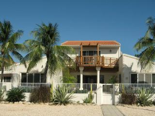 Oceanfront private villa in exclusive Malmok area - Malmok Beach vacation rentals