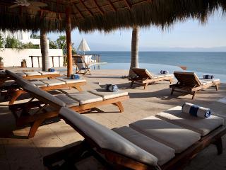 Perfect 4 bedroom Villa in La Cruz de Huanacaxtle with Internet Access - La Cruz de Huanacaxtle vacation rentals