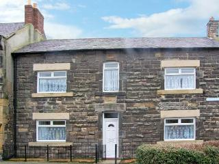 HENDERSON HOUSE, with conservatory, garden and woodburner in Amble-By-The-Sea, Ref 13763 - Rothbury vacation rentals