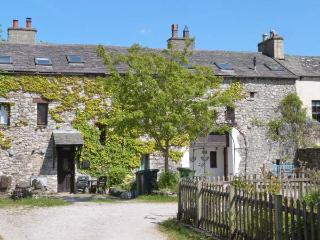 SUMMER COTTAGE end-terrace, family friendly, open fire in Allithwaite Ref 14284 - Lake District vacation rentals