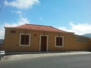 Charming Rural House In The Heart Of Gran Canaria - Vega de San Mateo vacation rentals