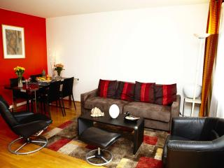 Charming, Centrally Located Apartment with 1 Bedroom - Paris vacation rentals
