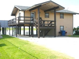Convenient 2 bedroom Vacation Rental in Port O Connor - Port O Connor vacation rentals