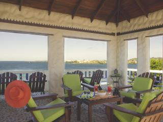 Villa Beachcliff, Casual Caribbean Elegance - Lance Aux Epines vacation rentals