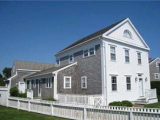 5 Bedroom 5 Bathroom Vacation Rental in Nantucket that sleeps 12 -(10183) - Image 1 - Nantucket - rentals