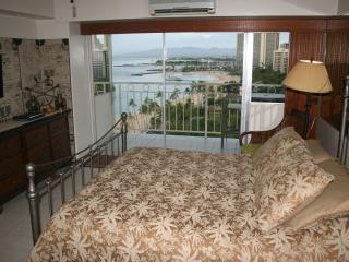 Waikiki Shore Studio 1404 - 'Ikena Nui (Big View) - Honolulu vacation rentals