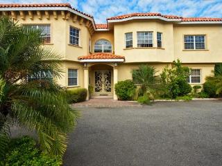 1 Bedroom Apts in, Kingston Jamaica 1-876-896-3917 - Kingston vacation rentals