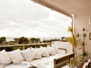 Luxury Sea View - Apartment in Cascais Centre - Sea facing luxury apartment with pool & airconditioning - Cascais vacation rentals