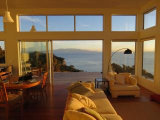 deluxe 1-bed eco apartment Tryphena, wide seaviews - New Zealand vacation rentals
