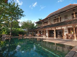 Villa Kipling, 5/6 Bedroom, Great Ricefield View ! - Canggu vacation rentals