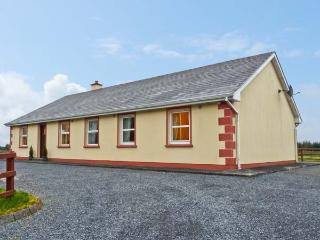 MARYVILLE, ground floor, pet friendly cottage with a garden in Cornasleehan, Ref 14787 - Strokestown vacation rentals