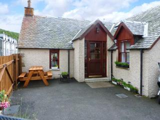 CASTLETON COTTAGE, beautiful scenery on the doorstep, woodburner, in Braemar, Ref 8465 - Braemar vacation rentals