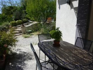 air conditioned cottage+pool st remy provence - Le Paradou vacation rentals