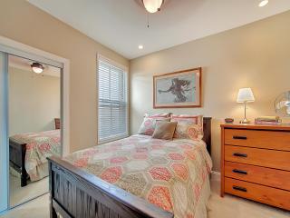 Great Brownstone, Capitol Hill, 3 BR, Metro! - Washington DC vacation rentals