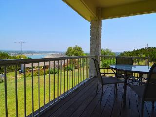 Three Bedroom Home in Briarcliff overlooking Lake Travis! - Briarcliff vacation rentals