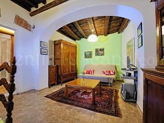 Florence Historic Center Apartment with Back Yard - Florence vacation rentals