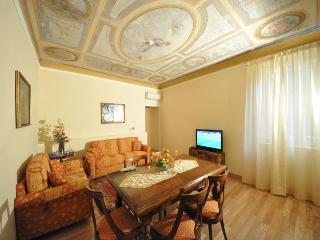 Luxury apartment in the heart of Florence centre - Florence vacation rentals