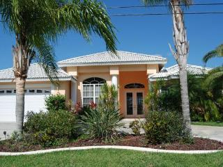 House Sunflower with heated pool - Cape Coral vacation rentals
