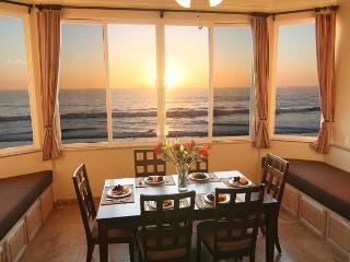 Oceanfront w/ 6br/5.5ba, rooftop, spa - Oceanside vacation rentals