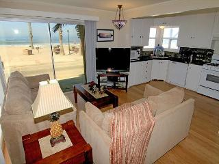 4 Bedroom Lower Level Duplex on the Sand in Oceanside, CA, on the Strand - Oceanside vacation rentals