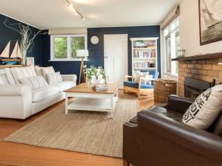 St Ives Cottage - Classic Beachside Accommodation - Mornington Peninsula vacation rentals