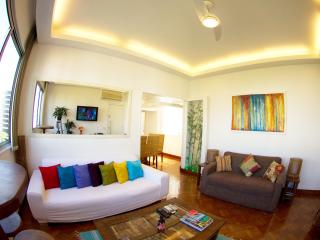Ipanema Beach,Lovely 3/3, Wifi, Cable, Air Cond Steps from the Beach, 24 hours Food Market, Subway & 24 hours Food Market - Rio de Janeiro vacation rentals