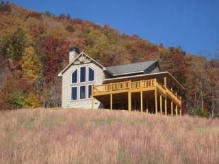 Great Mountain Retreat! Incredible Views! Hot Tub! - Franklin vacation rentals