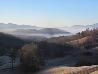 Great Mountain Retreat! Incredible Views! Hot Tub! - Franklin vacation rentals
