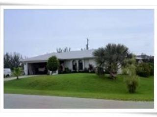 Front of house - Nothing Fancy 3 Bdrm/2 bath w/pool, Cape Coral FL - Cape Coral - rentals